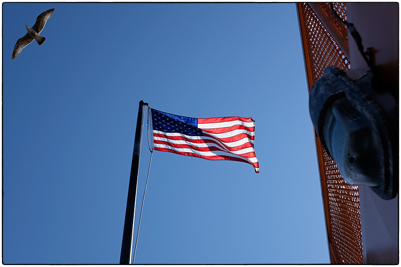 160502_staten_island_ferry_flag_PMM0065