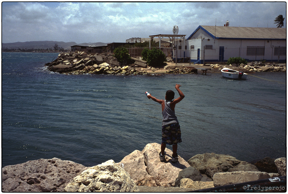 1997_boy_fishing_ponce_puerto_rico_fp_1000