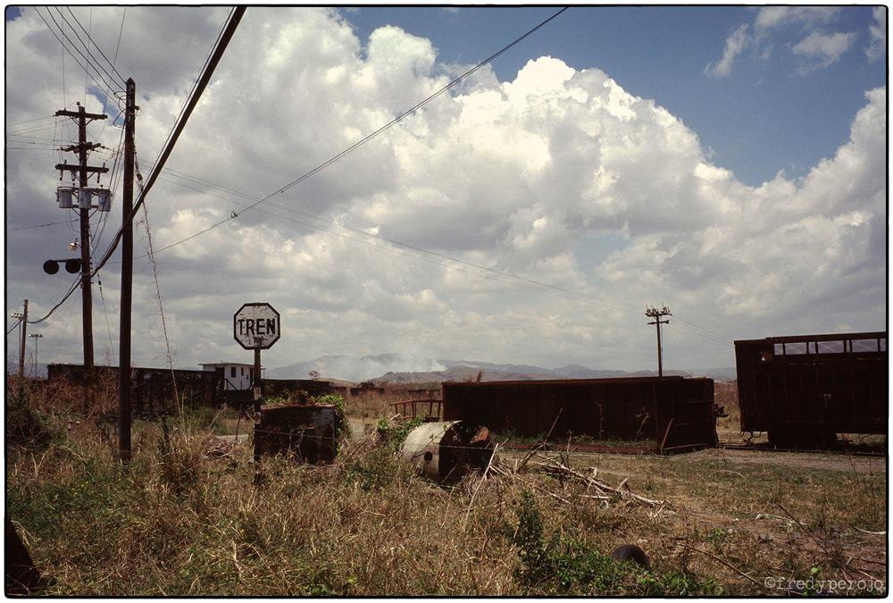 1997_puerto_rico_train_tracks_fp_1000