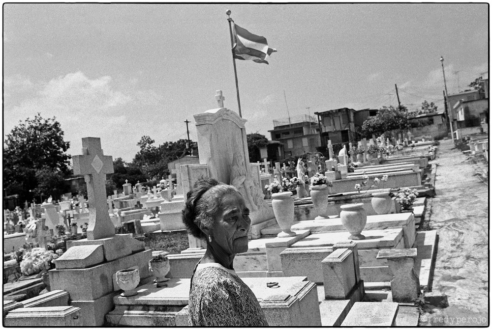 1992_puerto_rico_cemetery_death_fp_1000