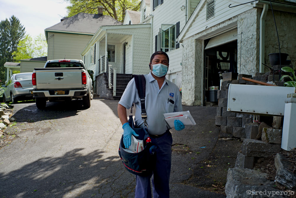 2020_coronavirus_mail_carrier_hastings-on-hudson_ny_perojo