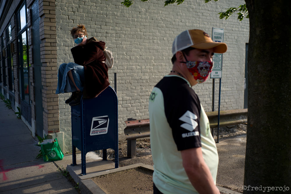 2020_coronavirus_mailbox_masks_hastings_on_hudson_ny_perojo